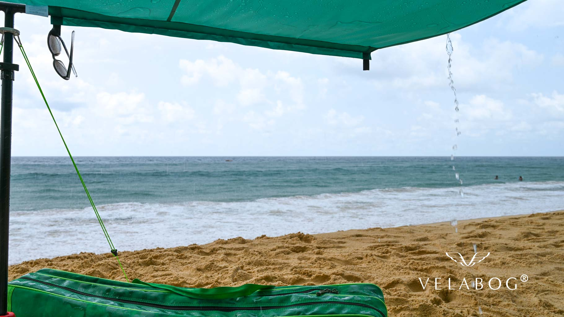 Velabog sun sails «Breeze» on the beach is also a shelter against a short tropical rain. Sun sail, beach umbrella and beach tent in one. You have everything you need to really enjoy the beach without worry.